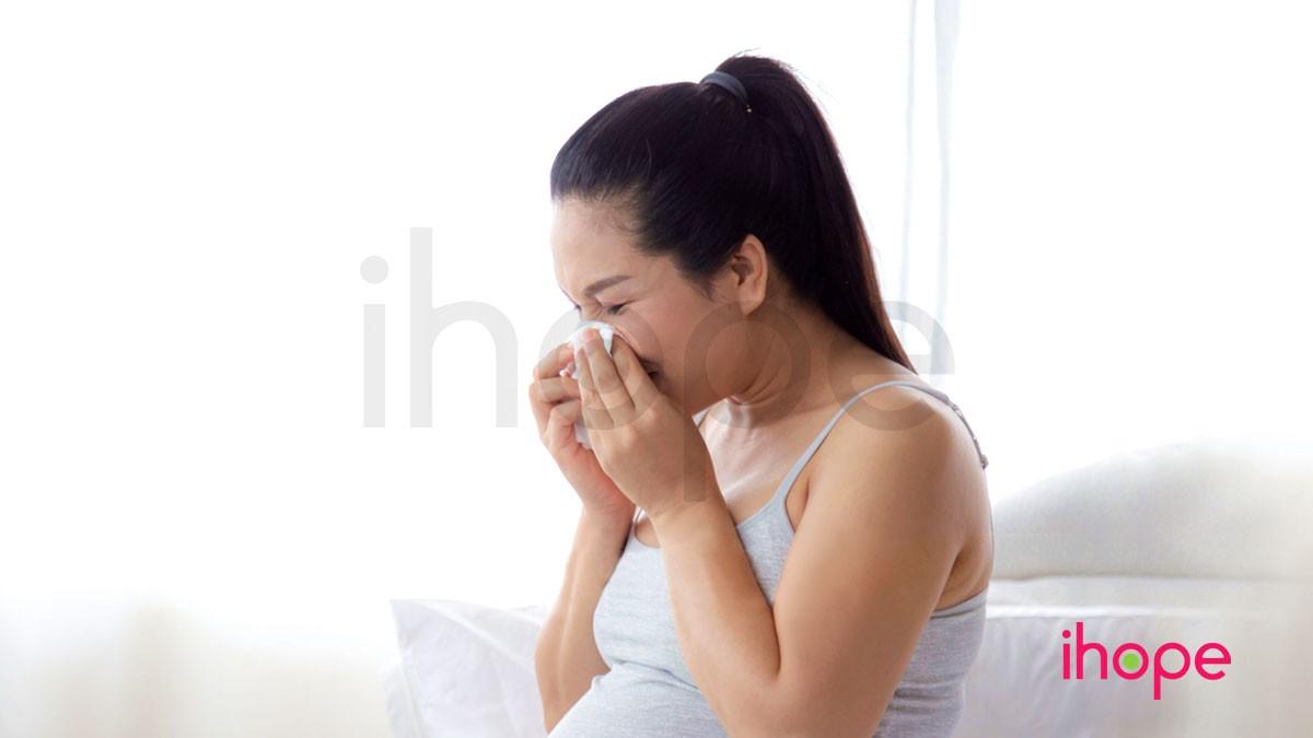 me-bau-bi-cum-khi-mang-thai